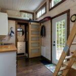 Dachgeschosswohnung Einrichten Wohnzimmer Dachgeschosswohnung Einrichten Mini Wohnung Komplett Eingerichtet Auf 24m Video Brigittede Badezimmer Küche Kleine