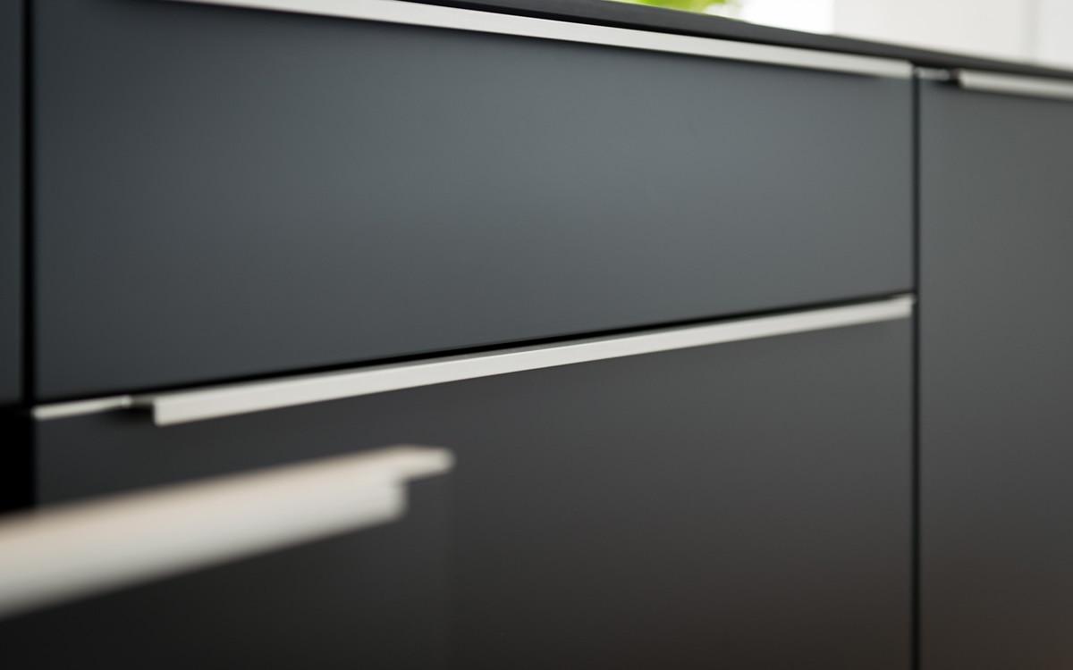 Full Size of Küche Griffe Beer Kchen Manufaktur Ganz Individuell Kchengriffe Fototapete Grau Hochglanz Vinyl Gebrauchte Verkaufen Wasserhahn Wandanschluss Blende L Form Wohnzimmer Küche Griffe