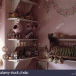 Vintage Regal Küche Nahaufnahme Der Sammlung Von Carltonware China Ber Wand Weiss Sitzecke Sitzbank Mit Lehne Jalousieschrank Aufbewahrung Gastro Pentryküche Wohnzimmer Vintage Regal Küche