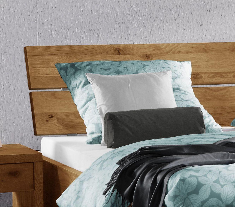 Full Size of Bett Rückwand Holz Mit Schrgem Kopfteil Aus Rustikaler Wildeiche Titao Minion Französische Betten Somnus Wasser Eiche Sonoma Buche Günstig Kaufen Wohnzimmer Bett Rückwand Holz