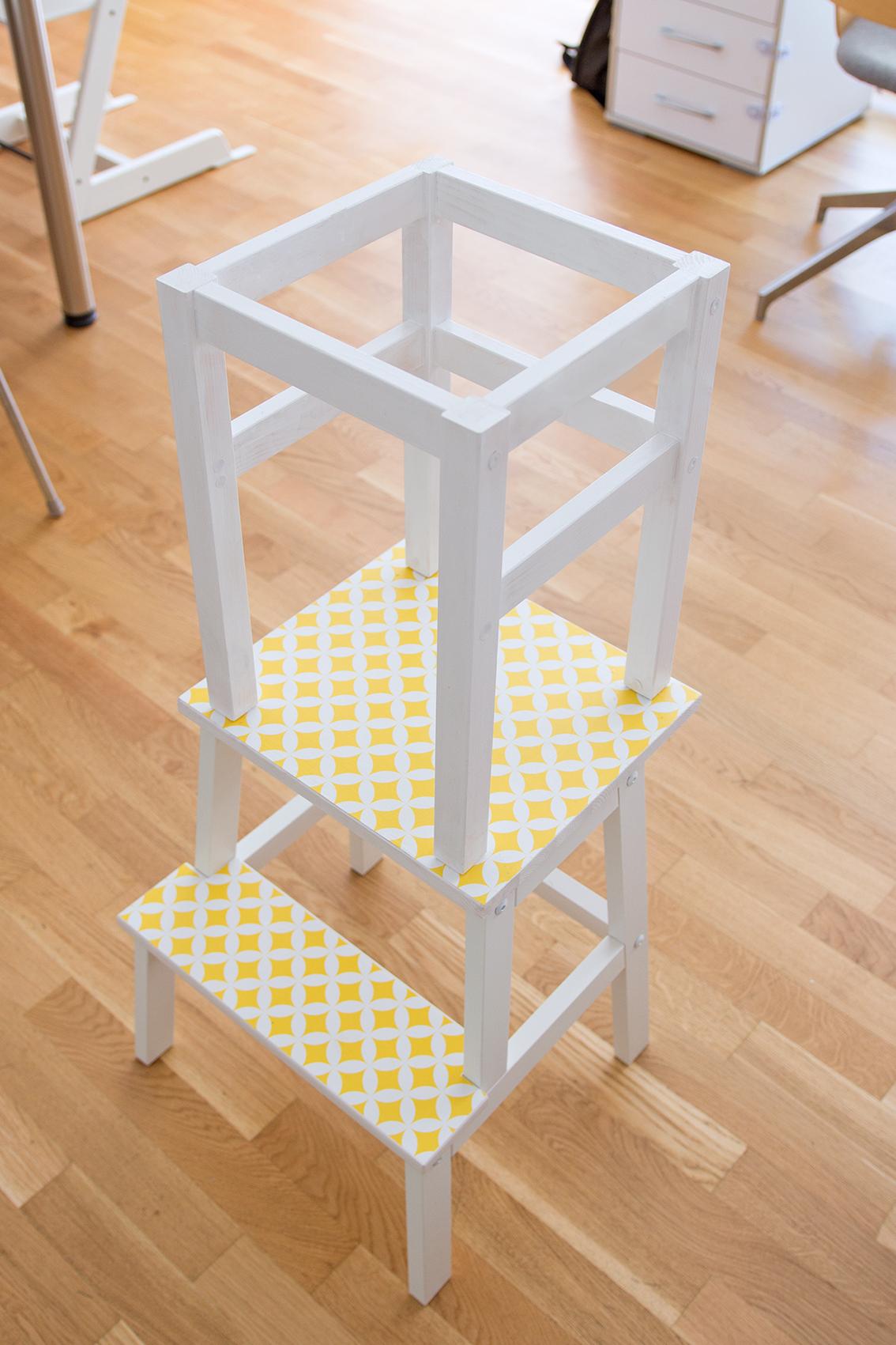 Full Size of Stehhilfe Ikea Lernturm Selber Bauen Hack Aus Zwei Hockern Mit Einfacher Betten Bei Küche Kosten Modulküche Kaufen Sofa Schlaffunktion 160x200 Miniküche Wohnzimmer Stehhilfe Ikea