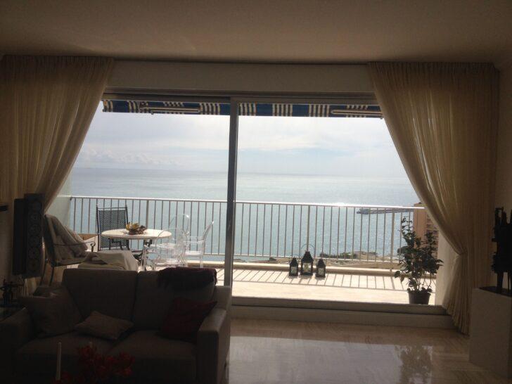 Medium Size of Vorhänge Schiene Schne Aussichten In Monaco Lange Fensterfront Ausgestattet Mit Wohnzimmer Schlafzimmer Küche Wohnzimmer Vorhänge Schiene