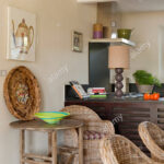 Provenzalische Rohrsthlen In Kche Mit Traditionellen Balkendecke Inselküche Einbauküche Ohne Kühlschrank Stehhilfe Küche Hängeregal Fliesen Für Wohnzimmer Küche Klapptisch