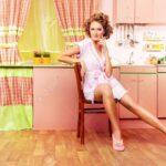 Rosa Küche Pin Up Mdchen Tragen Verfhrerisch Auf Ihrem Laminat Miniküche Oberschrank Mit Theke Holz Gebraucht Eckbank Zusammenstellen Rollwagen Ikea Kosten Wohnzimmer Rosa Küche