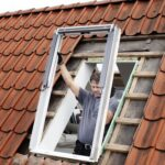 Velux Dachfenster Einbauen Preis Einbauanleitung Einbau Kosten Genehmigung Sparrenabstand Firma Anleitung Youtube Deutsch Sparren Entfernen Innenverkleidung Wohnzimmer Dachfenster Einbauen