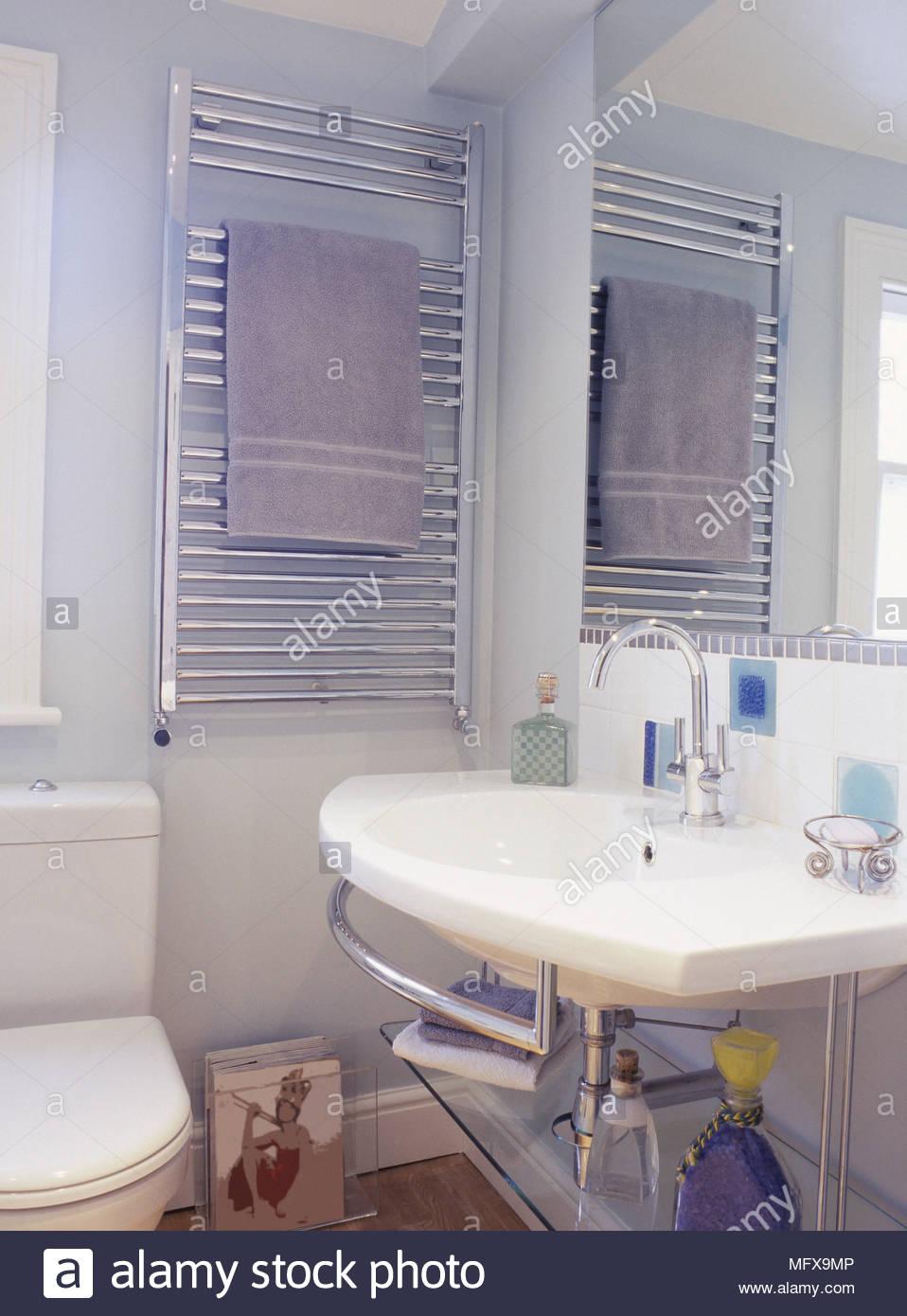 Full Size of Handtuchhalter Heizkörper Badezimmer Bad Küche Elektroheizkörper Für Wohnzimmer Wohnzimmer Handtuchhalter Heizkörper