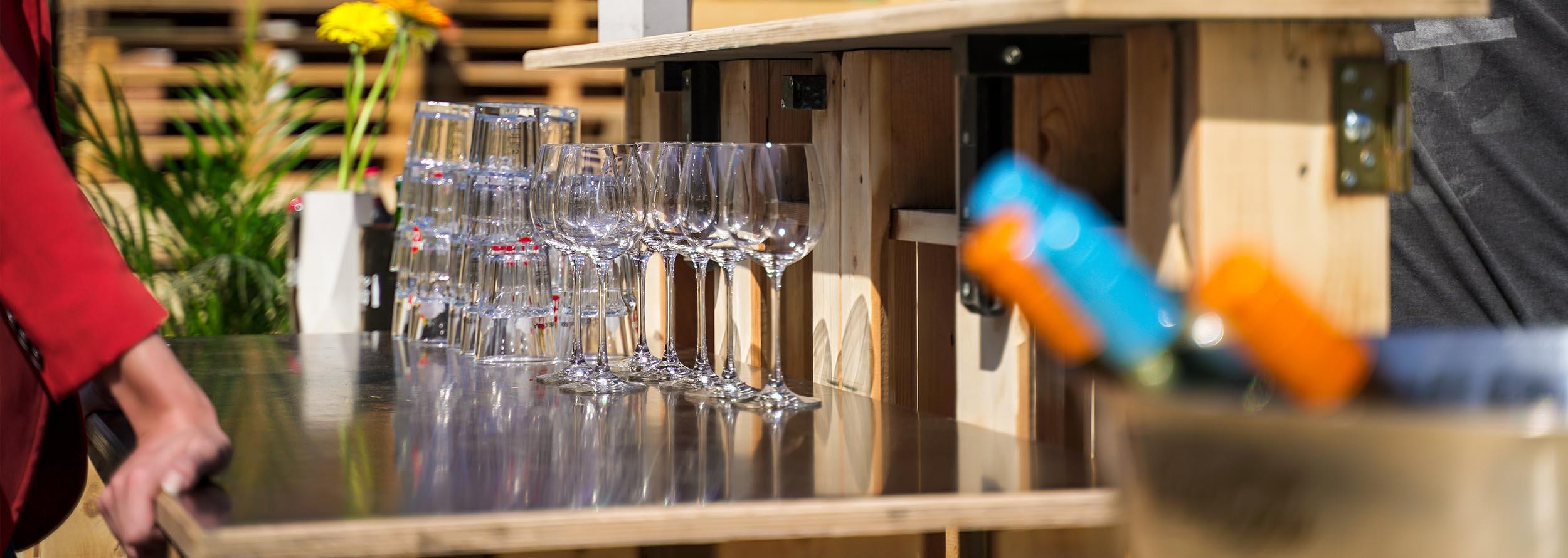 Full Size of Bar Kaufen Paletten Bei Schüco Fenster Bartisch Küche Gebrauchte Duschen Betten In Polen Ausklappbares Bett Runder Esstisch Ausziehbar Whirlpool Garten Wohnzimmer Bar Kaufen