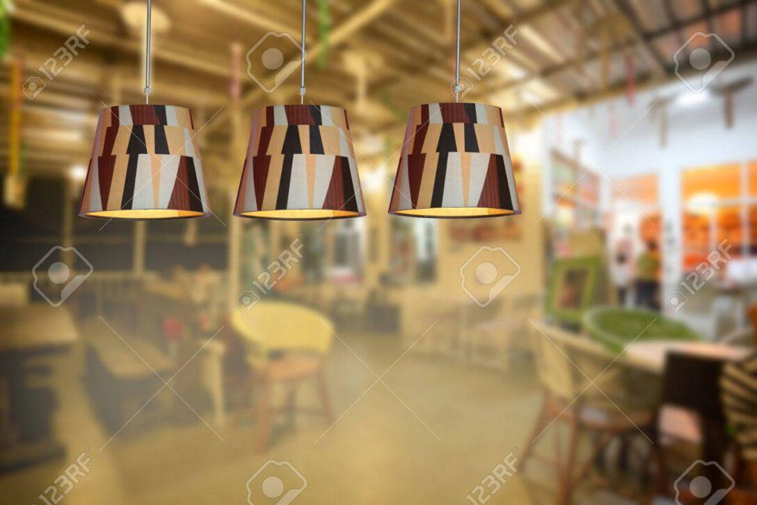 Large Size of Warme Beleuchtung Im Caf Und Landhausküche Duschen Bett Wohnzimmer 180x200 Fürs Sofa Esstische Für Wohnzimmer Moderne Deckenlampen