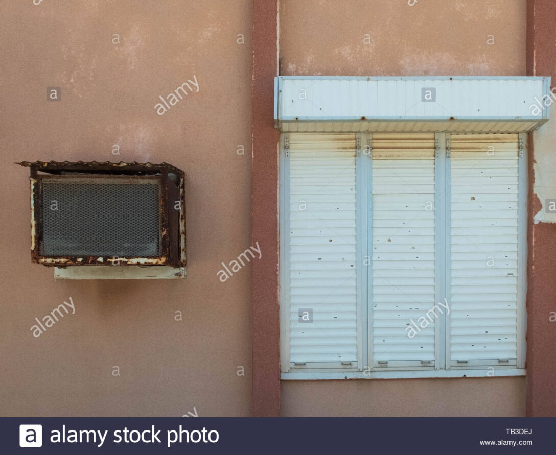 Large Size of Fenster Klimaanlage Alte Und Mit Geschlossenen Rolling Maße Bodentief Sicherheitsfolie Schüko Polnische Integriertem Rollladen Zwangsbelüftung Nachrüsten Wohnzimmer Fenster Klimaanlage