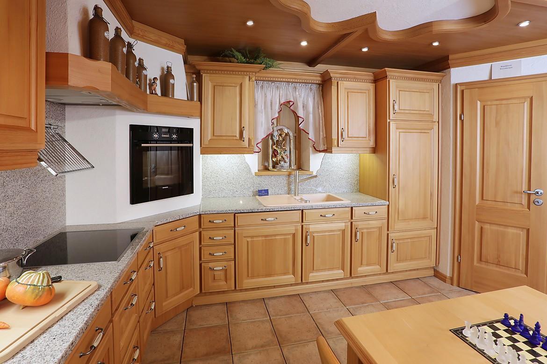 Full Size of Holzkche Auffrischen Landhausstil Streichen Welche Farbe Neu Vollholzküche Holzküche Massivholzküche Wohnzimmer Holzküche Auffrischen