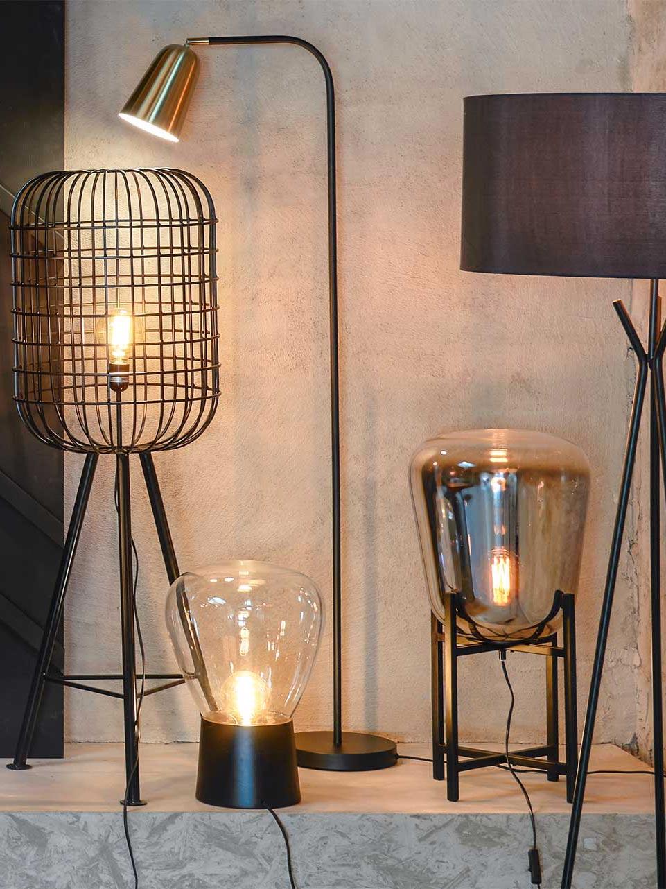 Full Size of Wohnzimmer Lampe Stehend Led Holz Klein Ikea Lampen Und Leuchten Online Kaufen Pfister Freistehende Küche Hängelampe Sofa Kleines Beleuchtung Deckenlampen Wohnzimmer Wohnzimmer Lampe Stehend