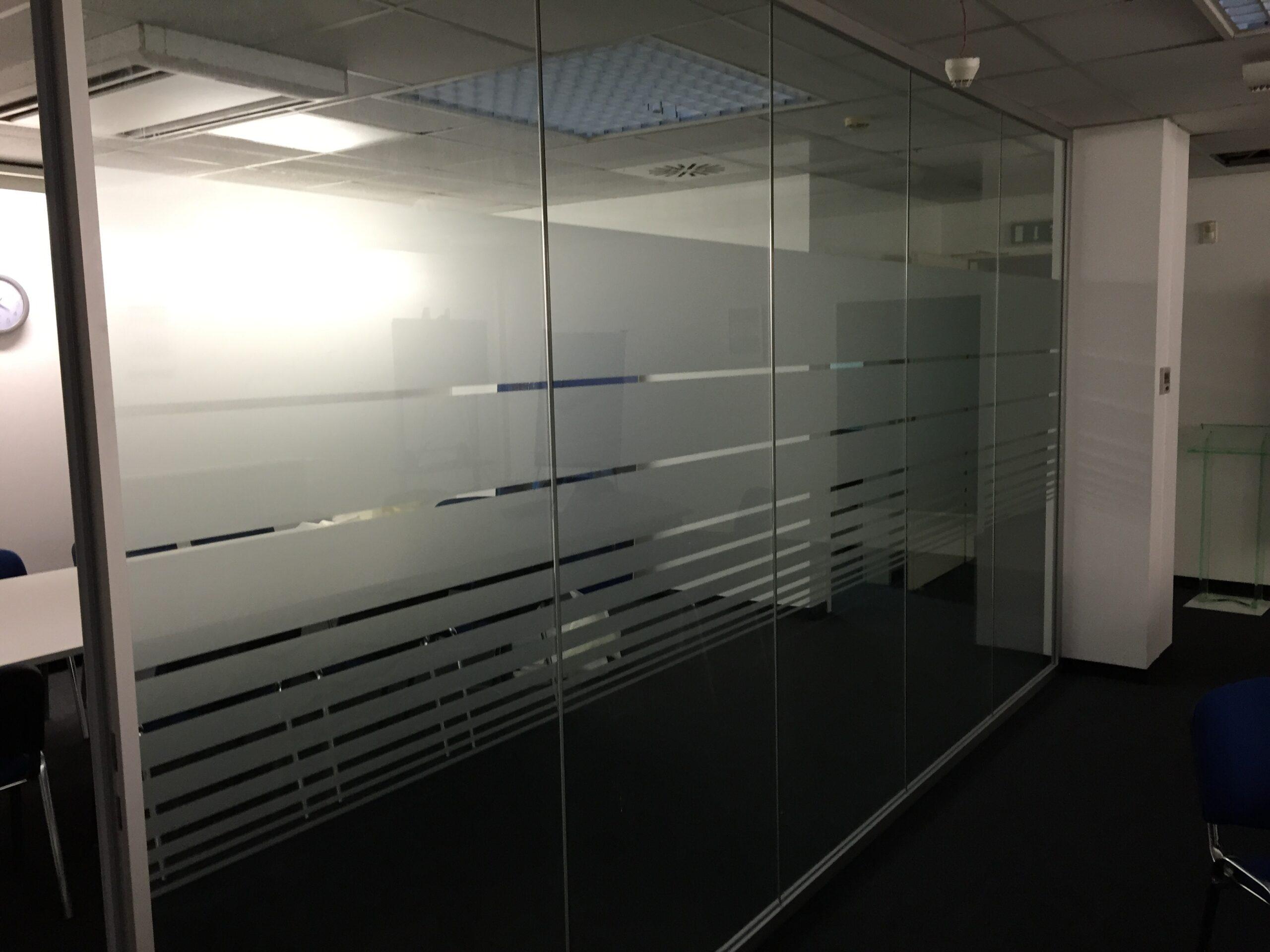 Full Size of Sichtschutzfolie Fr Ihr Fenster Profimontage Aus Hamburg Wohnzimmer Fensterfolie Blickdicht