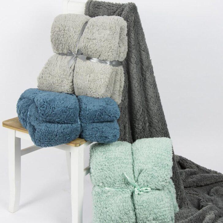 Medium Size of Schöne Decken Schne Frs Sofa Kalte Jahreszeit Ist Kuscheldecken Zeit Wohnzimmer Deckenleuchte Schlafzimmer Modern Deckenlampe Deckenleuchten Küche Led Wohnzimmer Schöne Decken