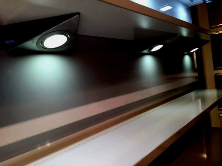 Medium Size of Lampen Für Küche Led Beleuchtung Kche Inspirierend Sideboard Moderne Landhausküche Wandpaneel Glas Gebrauchte Verkaufen Ohne Elektrogeräte Fliesenspiegel Wohnzimmer Lampen Für Küche