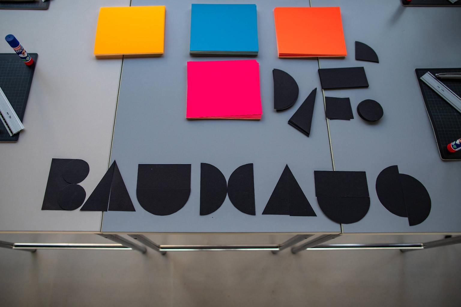 Full Size of Das Bauhaus Wird 100 Design Schule Der Moderne N Tvde Heizkörper Bad Wohnzimmer Fenster Für Badezimmer Elektroheizkörper Wohnzimmer Heizkörper Bauhaus