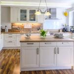 Kcheninsel Stilvolle Kchenform Mit Optischem Highlight Freistehende Küche Wohnzimmer Kücheninsel Freistehend