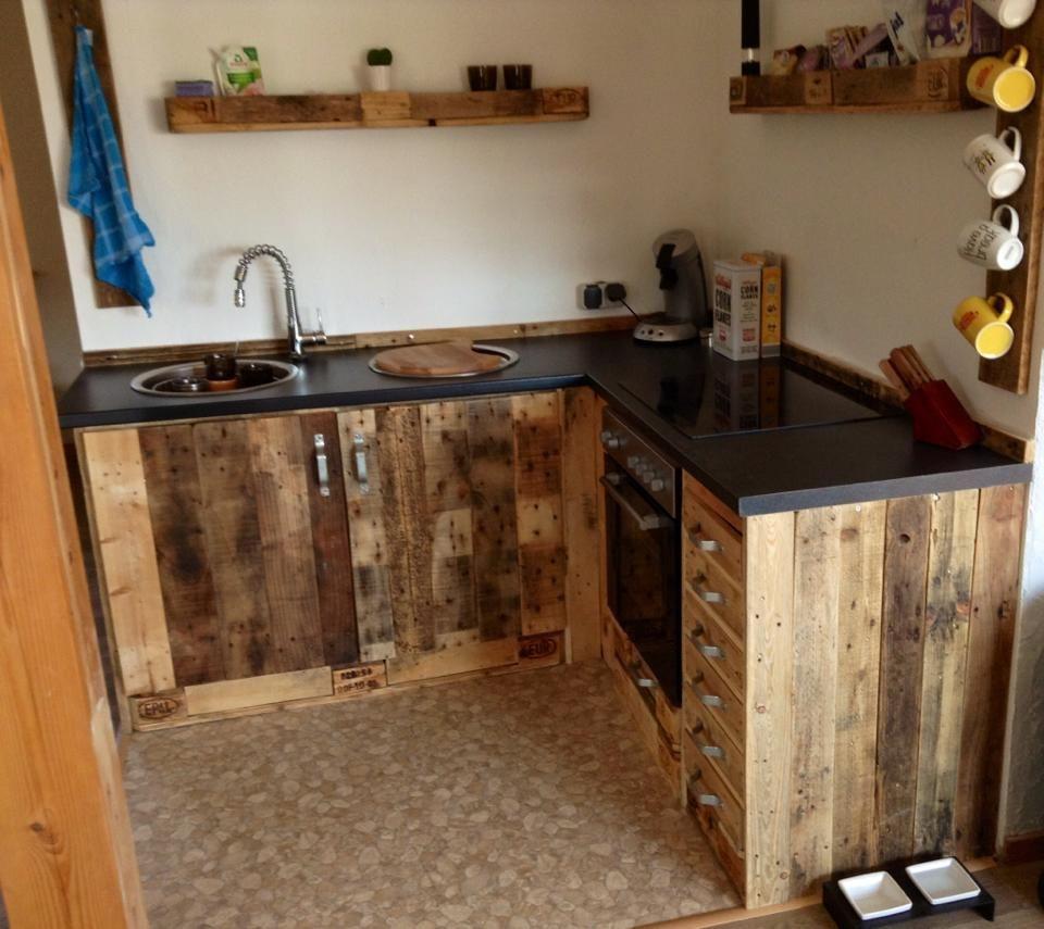 Full Size of Kchenmbel Aus Aufbereiteten Europaletten Behindertengerechte Küche Pendelleuchten Eckunterschrank Kleiner Tisch Billig Kaufen Tapete Landhaus Holzbrett Wohnzimmer Rustikale Küche Selber Bauen