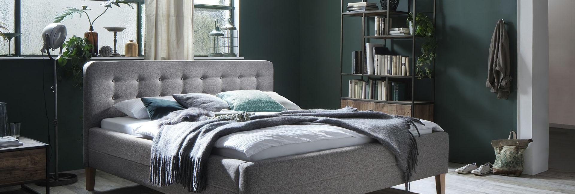 Full Size of Schlafzimmer Komplett Modern Weiss Luxus Set Massiv Schlafzimmermbel Im Mbel Kraft Onlineshop Kaufen Wandbilder Kommode Vorhänge Teppich Deckenleuchte Nolte Wohnzimmer Schlafzimmer Komplett Modern