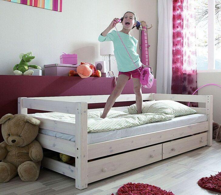 Medium Size of Bett Mit Bettkasten 90x200 Betten Lattenrost Schubladen Weiß Weißes Und Matratze Kiefer Wohnzimmer Jugendbett 90x200