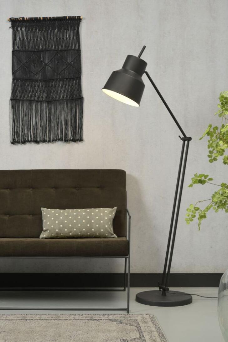 Medium Size of Wohnzimmer Stehlampe Modern Stehlampen Belfast In 2020 Bodenlampe Modernes Bett 180x200 Fototapete Design Heizkörper Tapeten Ideen Vorhänge Lampen Liege Wohnzimmer Wohnzimmer Stehlampe Modern