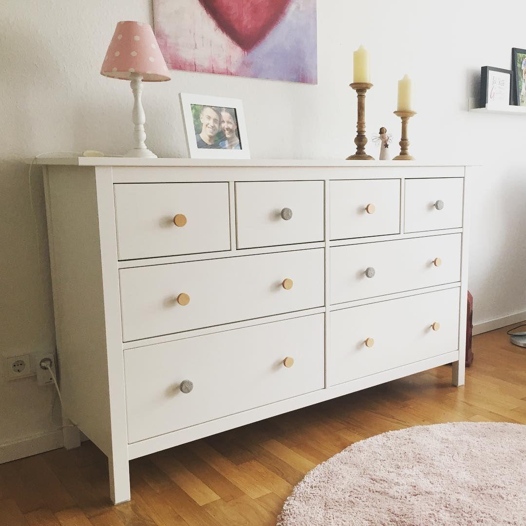 Full Size of Möbelgriffe Ikea Hemnes Kommode Mit Einer Mischung Aus Naturfarbenen Und Modulküche Küche Betten 160x200 Kaufen Kosten Sofa Schlaffunktion Bei Miniküche Wohnzimmer Möbelgriffe Ikea