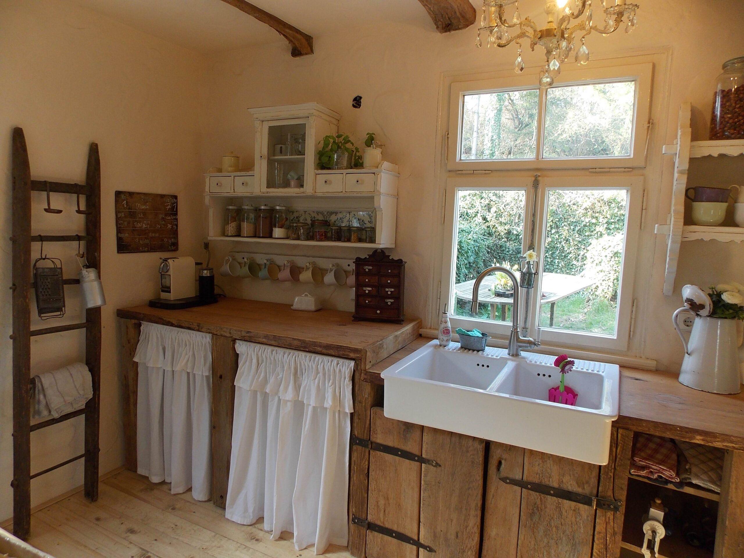 Full Size of Küche Shabby Farmhouse Kitchen Landhaus Kche Chic Altes Holz Was Kostet Eine Neue Arbeitsplatte Sitzgruppe Bauen Gebrauchte Verkaufen Wanddeko Jalousieschrank Wohnzimmer Küche Shabby