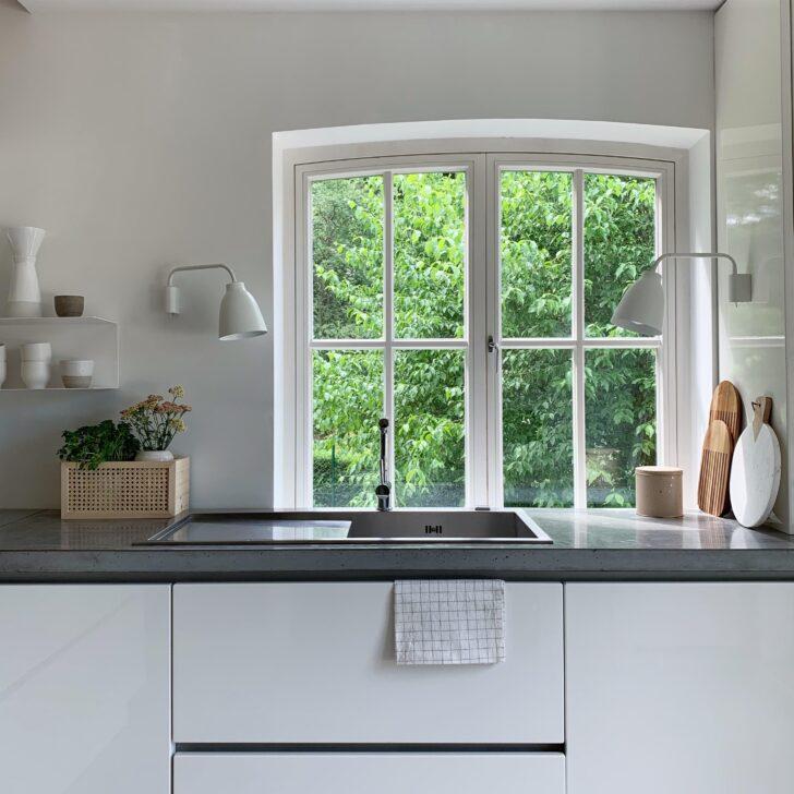 Medium Size of Deko Für Küche Winkhaus Fenster Aron Dreifachverglasung Gardinen Läufer Was Kostet Eine Neue Weiße Weiß Matt Fliesenspiegel Glas Industrielook Wohnzimmer Küche Fenster