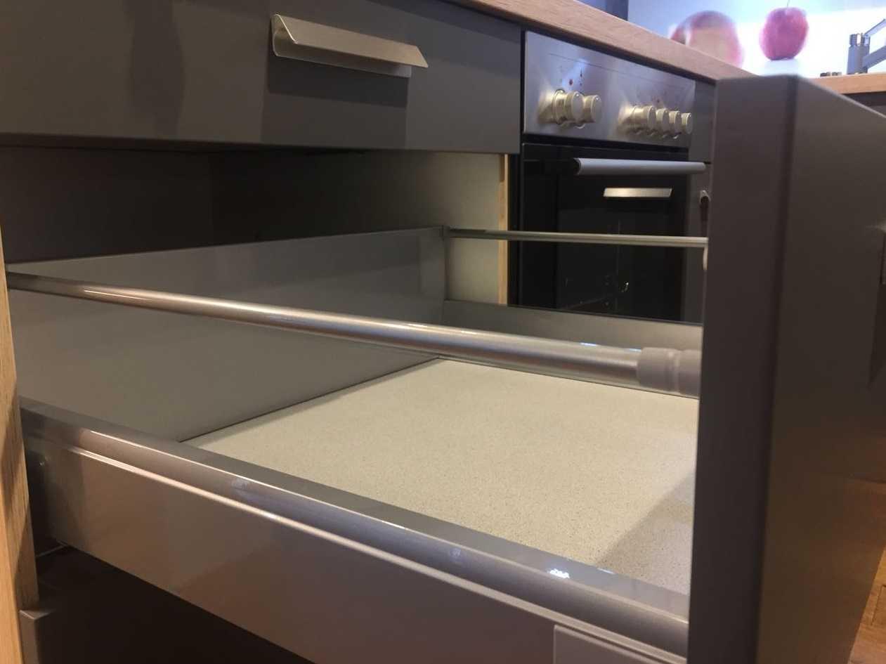 Full Size of Nobilia Front Auszug Profi Orginal Silbergrau Frontauszug Nolte Küche Betten Schlafzimmer Wohnzimmer Nolte Blendenbefestigung