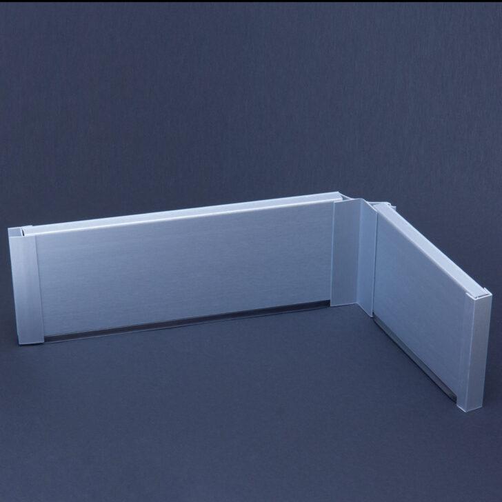 Medium Size of Sockelblende Kche Edelstahl Optik Sockelleisten Fensterbnke Behindertengerechte Küche Pentryküche Wasserhahn Für Bodenbelag Was Kostet Eine Massivholzküche Wohnzimmer Sockelblende Küche Zuschnitt