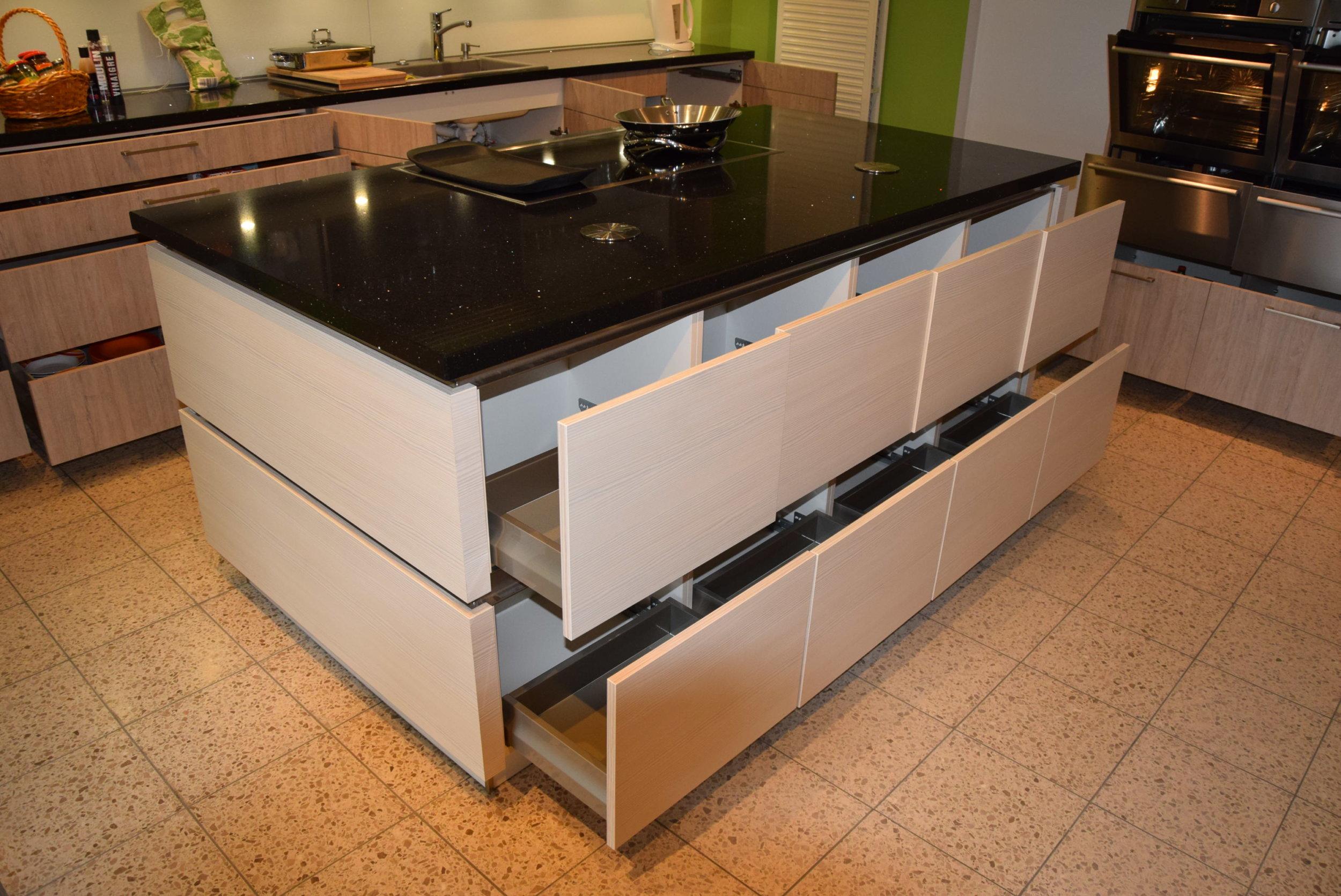 Full Size of Einbauküche Nobilia Bad Abverkauf Inselküche Küchen Regal Küche Wohnzimmer Küchen Abverkauf Nobilia