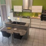 Musterkchen Moderne Kchenzeile Mit Einer Spleninsel Modell Komplettküche Miele Küche Wohnzimmer Miele Komplettküche