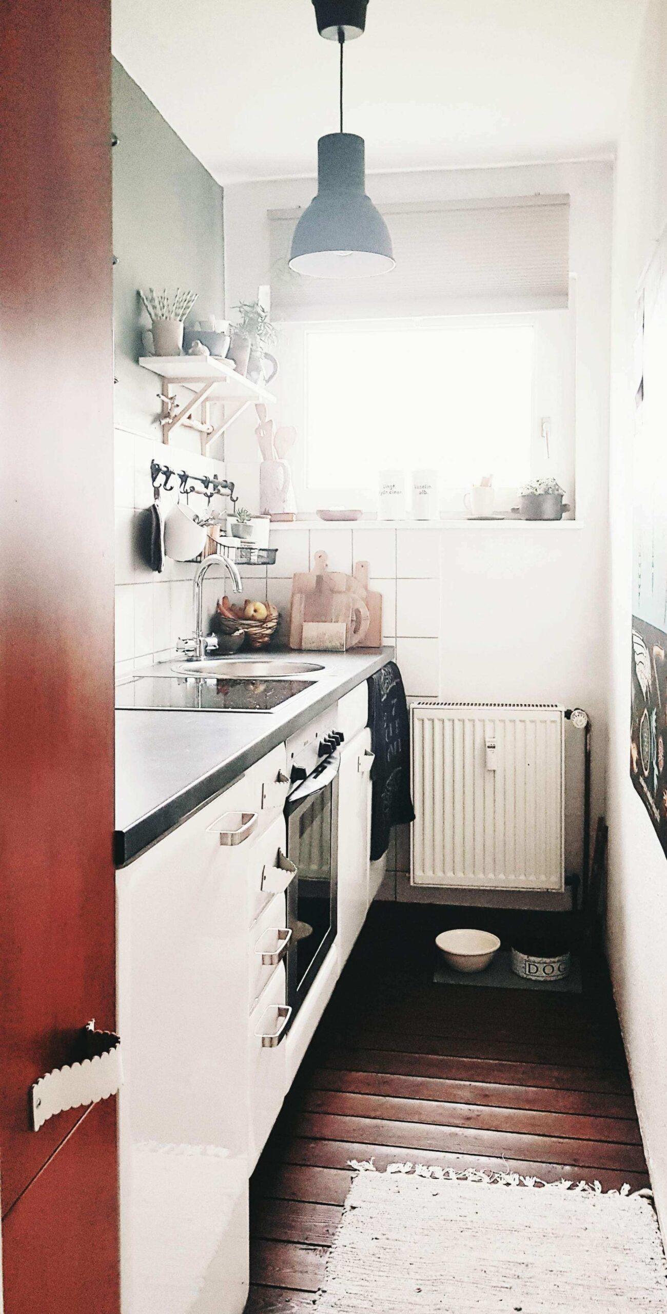 Full Size of Landhausküche Einrichten Wohnung Gnstig Genial Neu Durchreiche Kche Wohnzimmer Badezimmer Weisse Grau Moderne Kleine Küche Gebraucht Weiß Wohnzimmer Landhausküche Einrichten