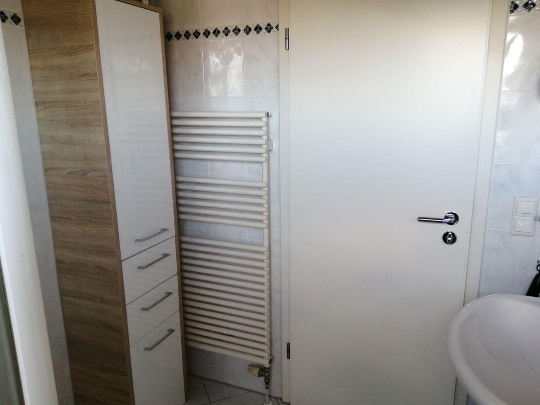 Full Size of Sicherheitsbeschläge Fenster Nachrüsten Einbruchsicher Zwangsbelüftung Einbruchschutz Wohnzimmer Küchentheke Nachrüsten