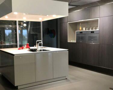 Ausstellungsküche Kaufen Wohnzimmer Alte Fenster Kaufen Günstig Sofa Küche Ikea Einbauküche Bett Aus Paletten Betten 180x200 Billig Duschen Tipps Regale Breaking Bad In Polen