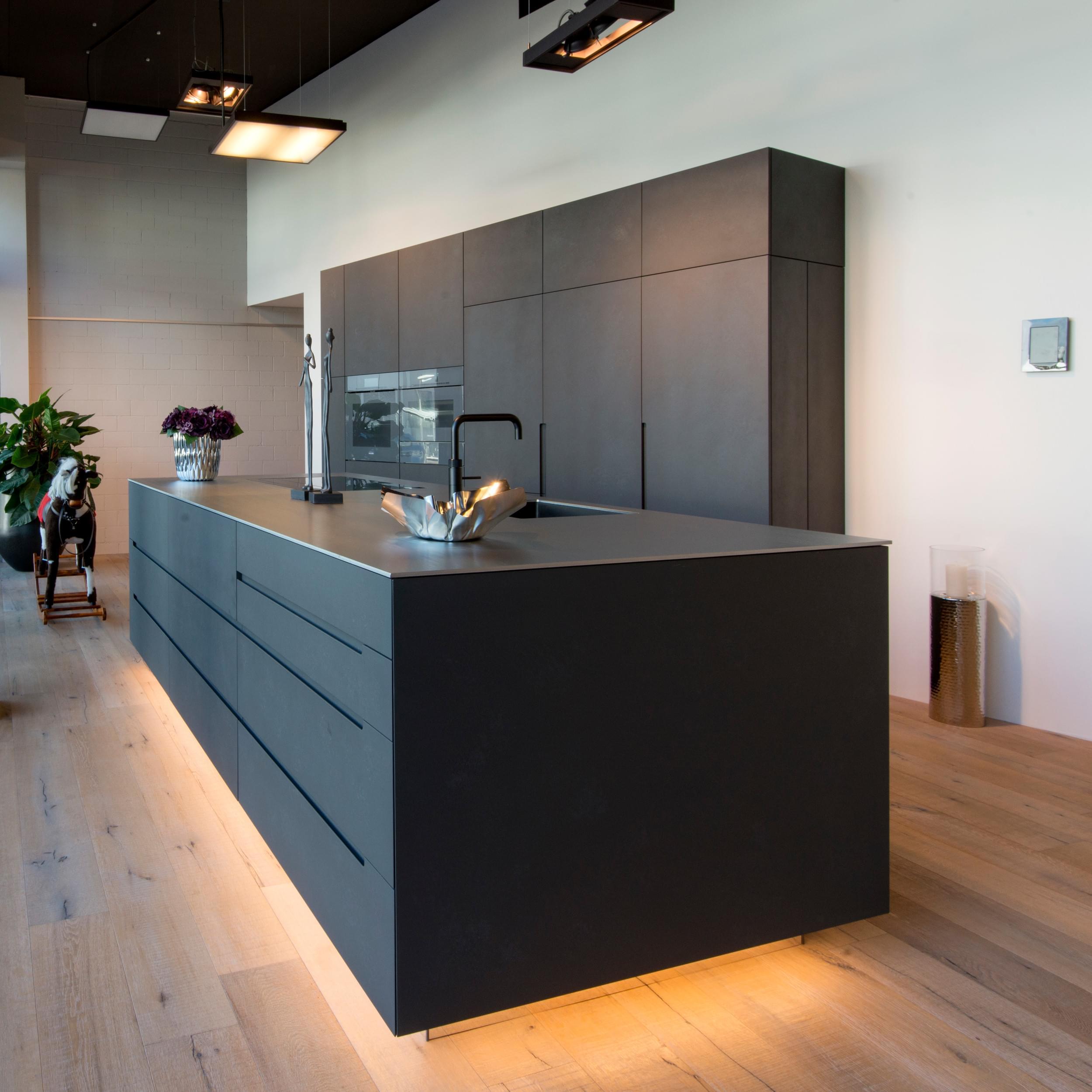 Full Size of Ausstellungsküche Kaufen Amerikanische Küche Bett Günstig Sofa Online Mit Elektrogeräten Gebrauchte Verkaufen Velux Fenster Big Wohnzimmer Ausstellungsküche Kaufen
