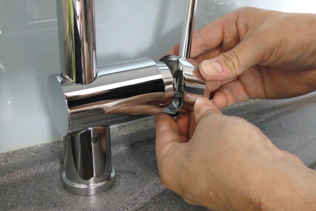 Ausziehbarer Wasserhahn Undicht Tropft Kchenarmatur Luft Aus Kartusche Tauschen Anleitung Bad Für Küche Wandanschluss Esstisch