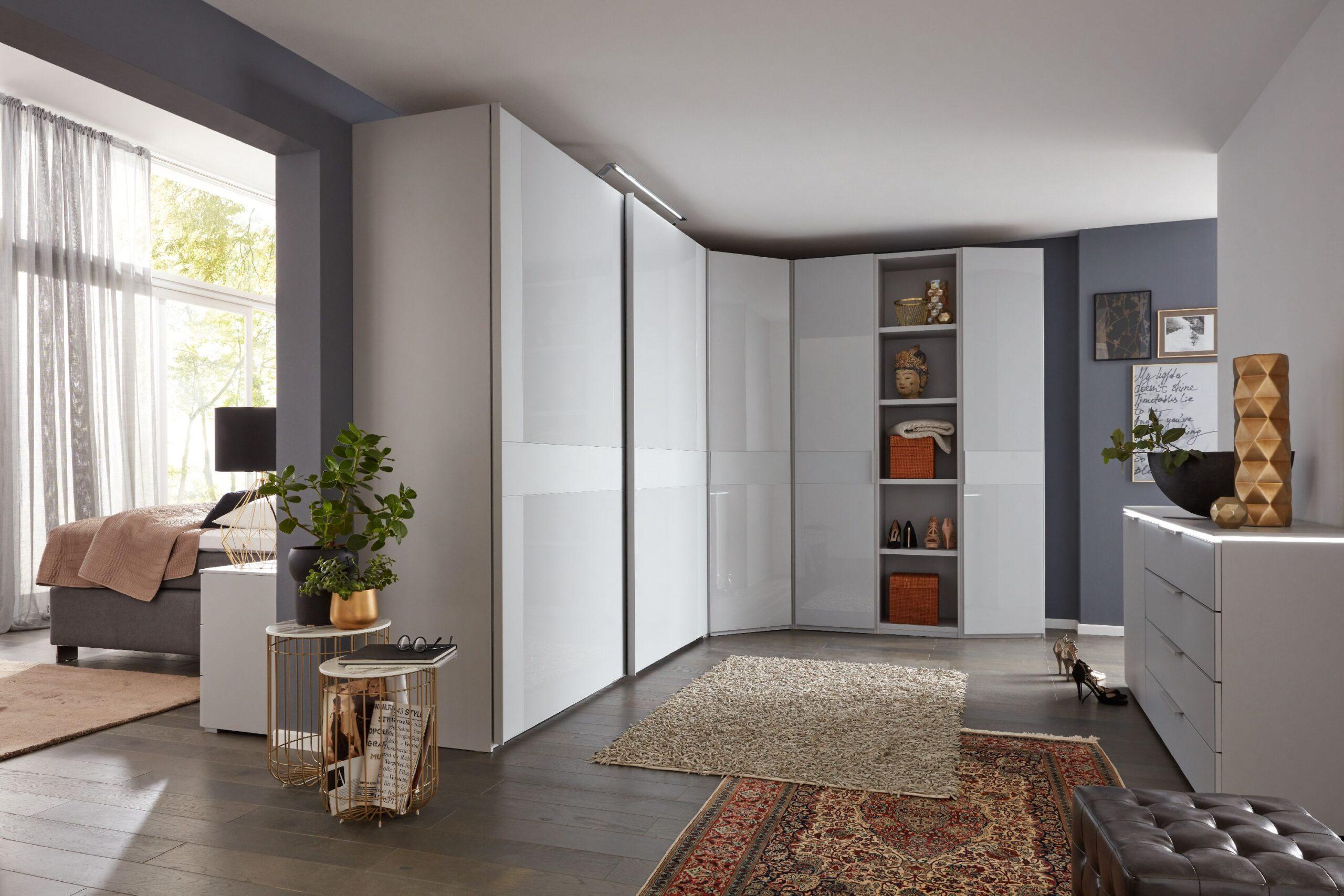 Full Size of Kleiderschrank Real Hulsta Schlafzimmer Eckschrank Caseconradcom Regal Mit Wohnzimmer Kleiderschrank Real