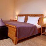 Komplettbett 180x220 Bett Kolonialstil 404html Inkontinenzeinlagen Balken Mit Matratze Wohnzimmer Komplettbett 180x220