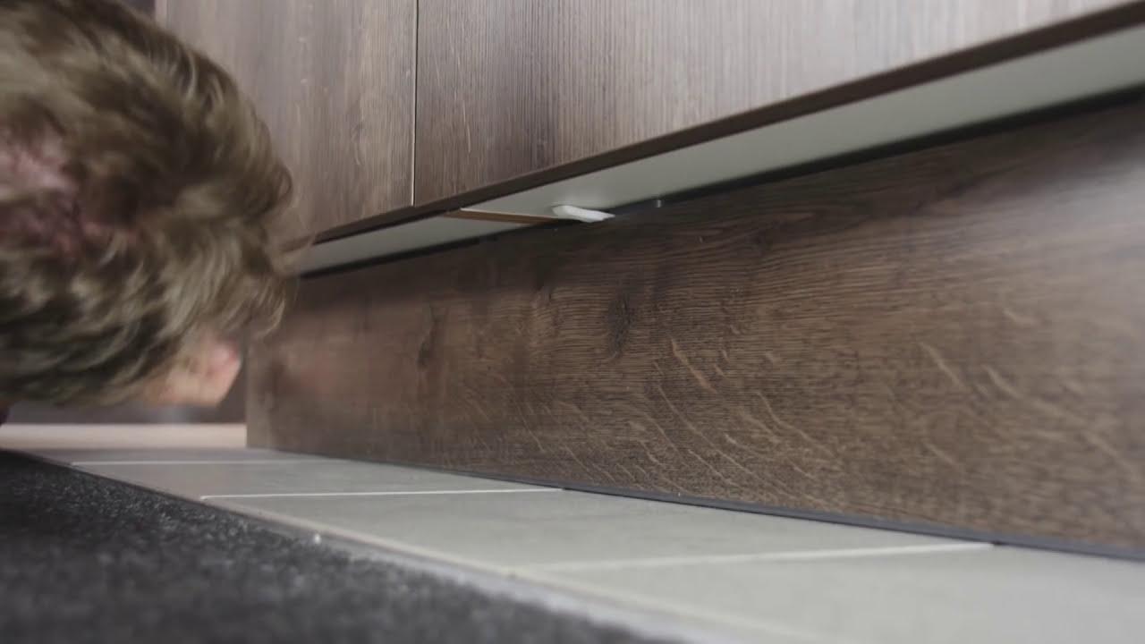 Full Size of Trendline Tipps Tricks Kchensockel Ausbauen Interliving Fototapete Küche Sitzbank Hängeschrank Höhe Sprüche Für Die Einrichten Günstig Mit Wohnzimmer Nolte Küche Blende Entfernen