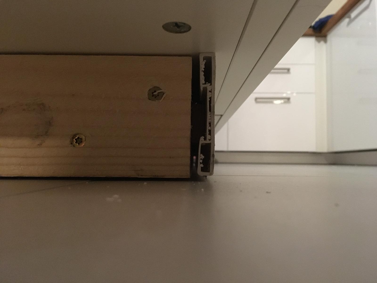 Full Size of Ikea Sockelleiste Ecke Kche Lubachs Bauen Tagesdecken Für Betten Küche Waschbecken Deckenlampe Wohnzimmer Deckenleuchten Schlafzimmer Deckenlampen Wohnzimmer Ikea Sockelleiste Ecke
