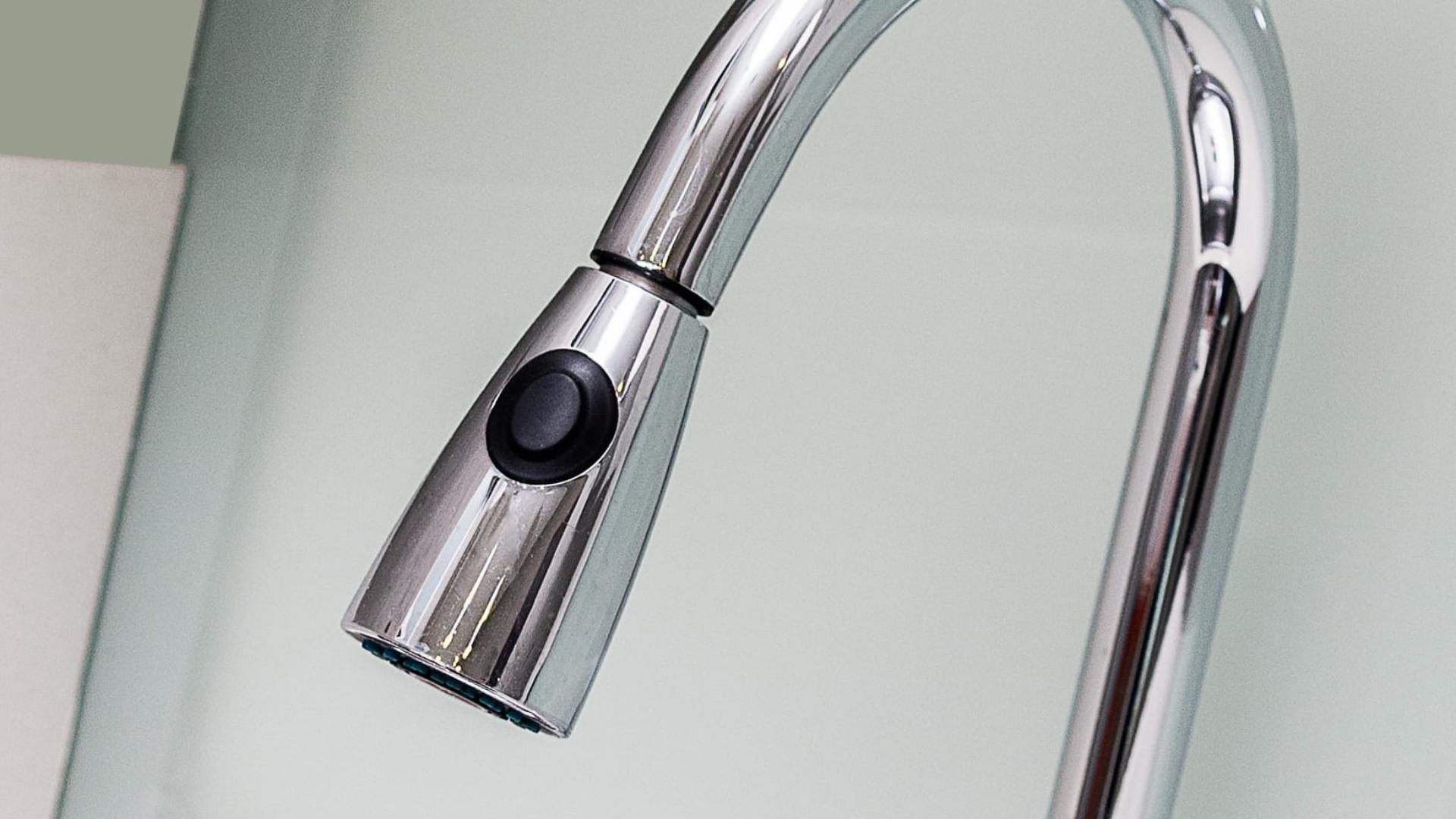 Full Size of Ausziehbarer Wasserhahn Undicht Tropft Waschtischarmatur Mit Separater Handbrause Im Vergleich Küche Bad Esstisch Wandanschluss Für Wohnzimmer Ausziehbarer Wasserhahn Undicht