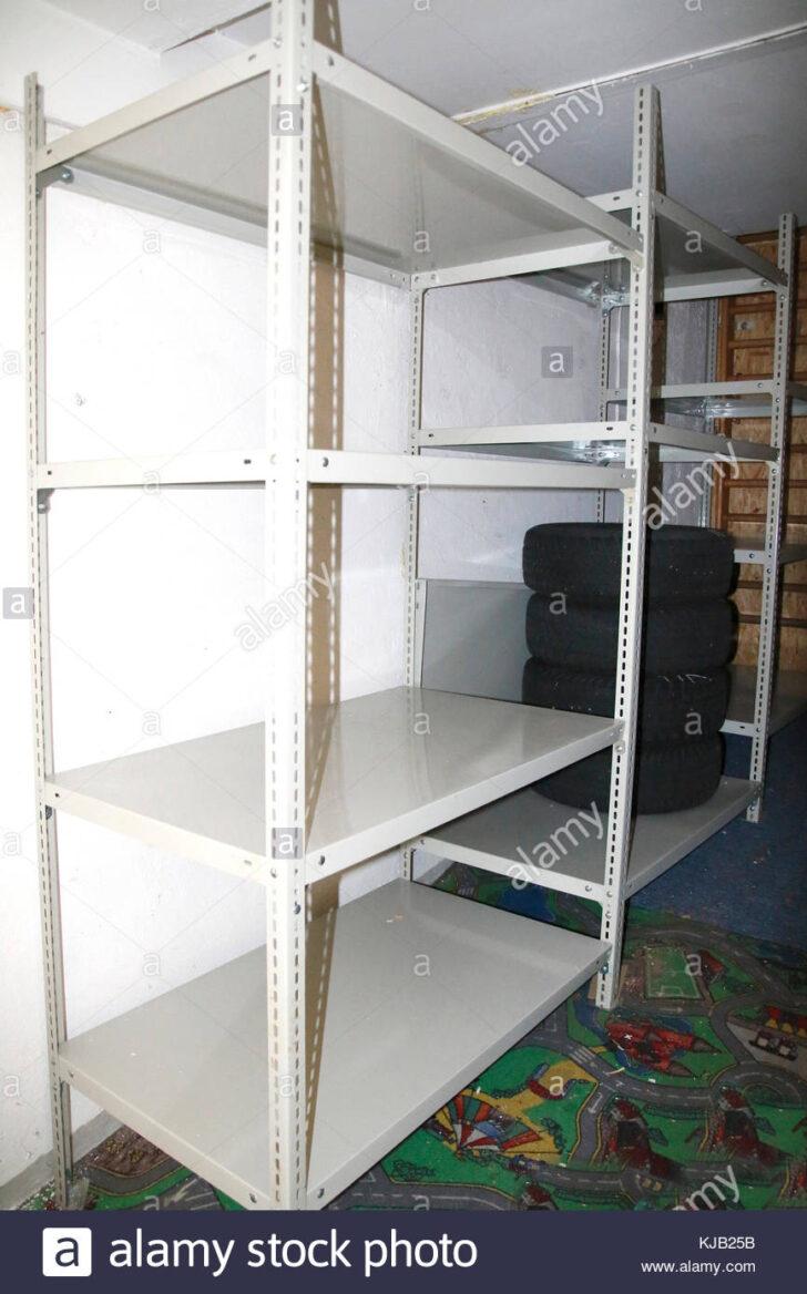 Medium Size of Ikea Regale Keller Metall Regalsystem Regalsysteme Schwerlast Regal Aus Im Stock Photo 166200311 Alamy Bett Weiß Für Wohnzimmer Regalsystem Keller Metall