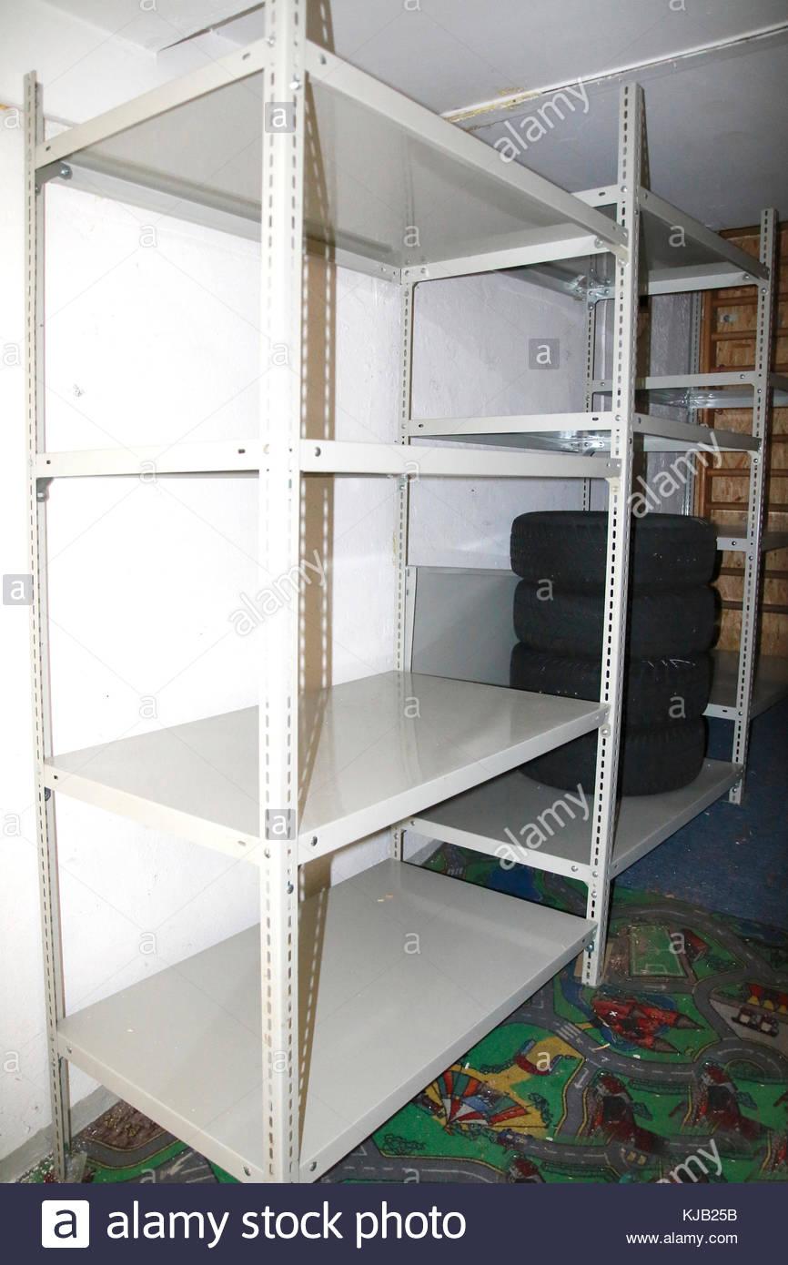 Full Size of Ikea Regale Keller Metall Regalsystem Regalsysteme Schwerlast Regal Aus Im Stock Photo 166200311 Alamy Bett Weiß Für Wohnzimmer Regalsystem Keller Metall