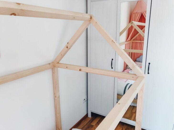 Medium Size of Endlich Durchschlafen Diy Hausbett Fr Nach Montessori Betten 100x200 Bett Weiß Wohnzimmer Hausbett 100x200