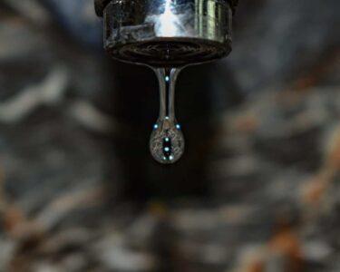 Ausziehbarer Wasserhahn Undicht Wohnzimmer Ausziehbarer Wasserhahn Undicht Luft Nach Ursachen Einfache Lsungen Für Küche Bad Esstisch Wandanschluss