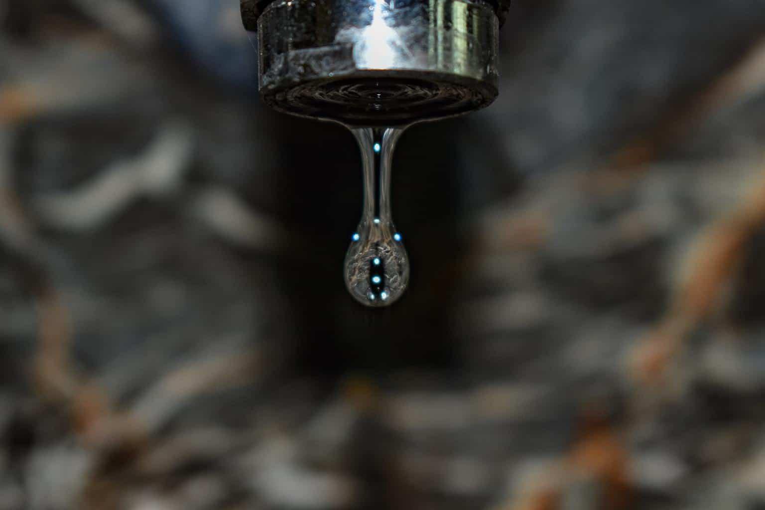 Full Size of Ausziehbarer Wasserhahn Undicht Luft Nach Ursachen Einfache Lsungen Für Küche Bad Esstisch Wandanschluss Wohnzimmer Ausziehbarer Wasserhahn Undicht
