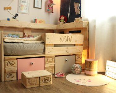 Holzbett Für Kinder Wohnzimmer Holzbett Für Kinder Laminat Küche Kinderspielturm Garten Regale Kinderzimmer Boden Badezimmer Kinderhaus Sofa Bilder Fürs Wohnzimmer Teppich