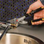 Ausziehbarer Wasserhahn Tropft Undicht Mischbatterie Wechseln Und Anschlieen In 6 Schritten Obi Küche Wandanschluss Für Bad Esstisch Wohnzimmer Ausziehbarer Wasserhahn Undicht
