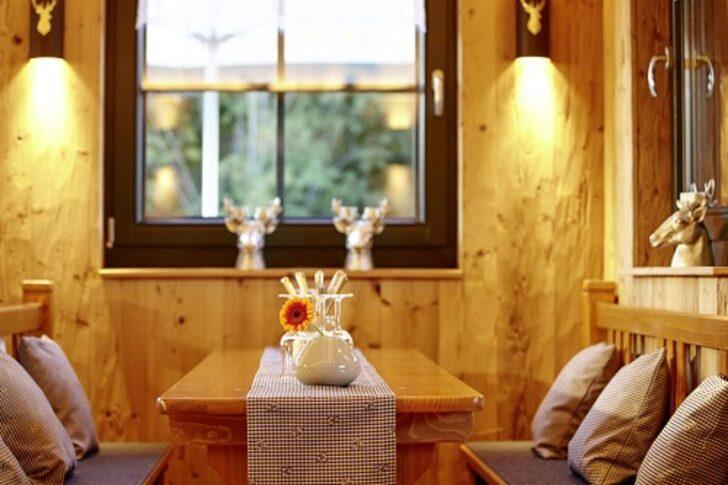 Medium Size of Küche Zu Verschenken Saarland Keramik Waschbecken L Mit Kochinsel Ohne Oberschränke Wandregal Landhaus Barhocker überzug Sofa Was Kostet Eine Neue Wohnzimmer Küche Zu Verschenken Saarland