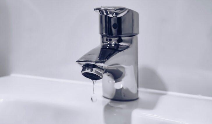 Medium Size of Ausziehbarer Wasserhahn Undicht Tropft Reparatur Einer Undichten Kchenarmatur So Einfach Ist Das Küche Wandanschluss Für Esstisch Bad Wohnzimmer Ausziehbarer Wasserhahn Undicht